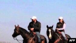 Amerikalik kovboy Rossiya dalalarida chorvachilik qilmoqda