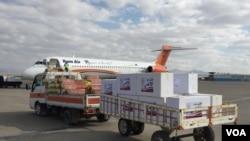 د دغه هوايي دهلیز له لارې نن له کابل څخه دوه ټُنه آلوچې او زردالو متحده عربي اماراتو ته صادر شول.