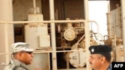 Ральф Бейкер с иракским командиром