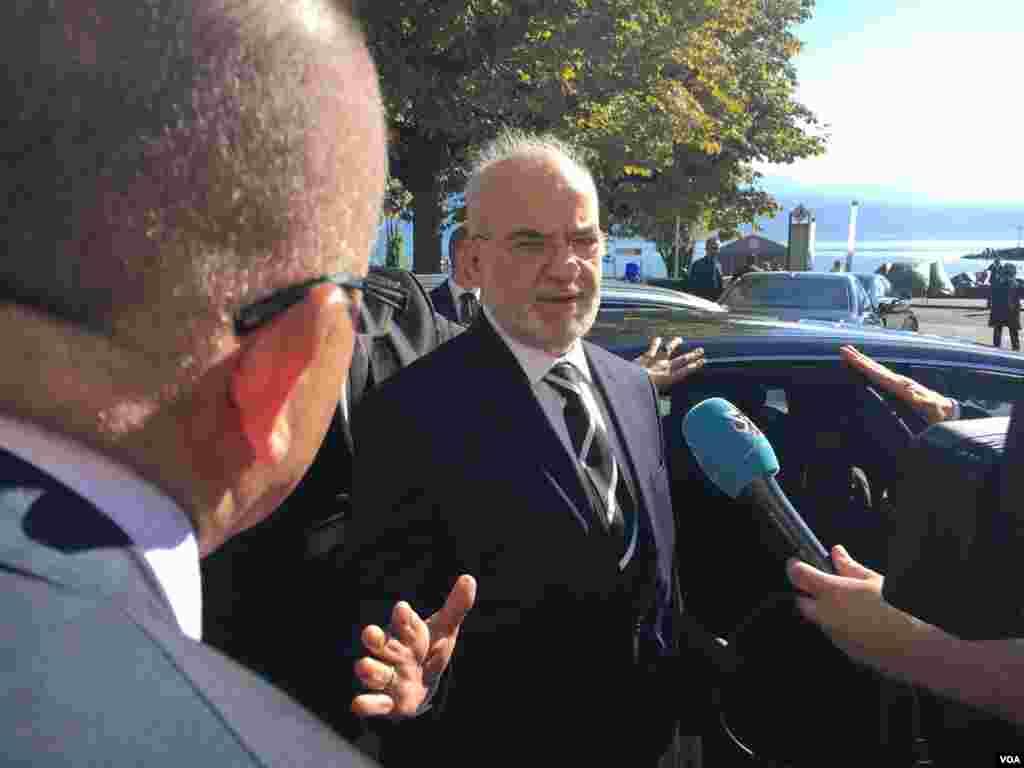 ورود ابراهیم الجعفری وزیر خارجه عراق به هتل بوریواژ شهر لوزان محل برگزاری نشست بین المللی درباره سوریه–۲۴مهر۱۳۹۵