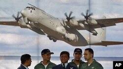 Pripadnici indijskog ratnog zrakoplovstva na promociji transportnog zrakoplova C-130J-30 Super Hercules u bazi Uttar Pradesh