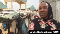 Fatimé Adawaï, présidente des femmes retournées de la centrafrique, à N'Djamena, Tchad, le 2 octobre 2019. (VOA/André Kodmadjingar)