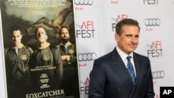Steve Carell được đề cử giải Oscar cho nam diễn viên xuất sắc qua vai John Du Pont trong cuốn phim 'Foxcatcher'.