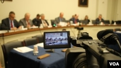 "FILE PHOTO - Subcommittee on Asia and the Pacific of the U.S. House of Representatives launched an open hearing on ""Cambodia's Descent: Policies to Support Democracy and Human Rights"" on Tuesday, December 12, 2017, at the Rayburn House Office Building. (Sreng Leakhena/VOA Khmer)"