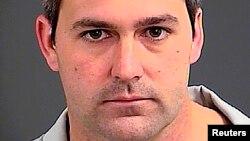 Cảnh sát viên Michael Slager bị buộc tội sát nhân.