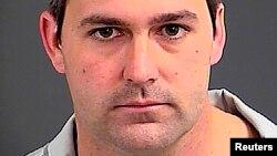 L'officier de police Michael Slager doit répondre de la mort d'un Noir, tué par balles dans le dos à North Charleston, en Caroline du Sud