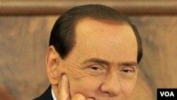 Perdana Menteri Italia Silvio Berlusconi akan menghadapi peradilan berbagai kasus tuntutan terhadap dirinya mulai bulan depan.