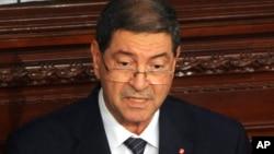 Firayim Ministan Tunisia Habib Essid yana jawabi akan harin da 'yan ta'ada suka fara kaiwa kafin dubunsu ya cika yau Litinin