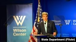 美国国务卿克里2016年9月28日在华盛顿伍德罗·威尔逊国际学者中心发表讲话。