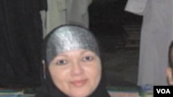 Elizabeth Torres mengganti namanya menjadi Safia El-Kasaby setelah memutuskan untuk memeluk agama Islam.