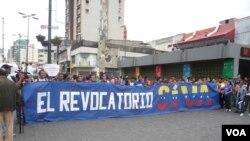 Aksi unjuk rasa para mahasiswa di Caracas, Venezuela (Foto: dok).