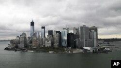 Foto aérea de Nueva York, en la que se muestra los edificios frente al puerto. La destrucción provocada por Sandy pudo ser evitada con un dique de protección similar al de las ciudades europeas.