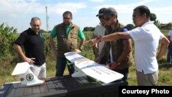 Teknologi drone kini bisa dimanfaatkan untuk memantau perkembangan lahan pertanian (foto: ilustrasi).