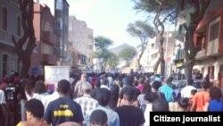 Cabo-verdianos manifestam-se contra aumento de salários e regalias dos políticos. São Vicente, 30 Março, 2015. Foto de Ruben Veiga (imagem de arquivo)