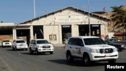 지난 9월 유엔이 파견한 시리아 화학무기 조사단이 시리아와 레바논 국경 지역을 지나고 있다.