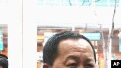 12일 뉴욕 방문을 마치고 북한으로 돌아가기 전 기자들과 만난 북한의 리용호 외무성 부상.
