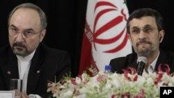 Посол Ирана в ООН Мохамед Кхазаэй и Мохамед Ахмадинеджад