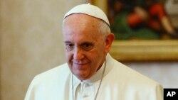 Francisco hizo un llamado a la comunidad internacional a adoptar nuevas formas de migración legal y segura.