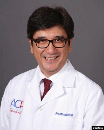 Cortino Sukotjo, DDS, PhD, dosen Fakultas Kedokteran Gigi di Universitas Illinois, Chicago. (Courtesy Cortino Sukotjo.)