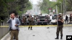این حمله انتحاری در نزدیکی مراکز حساس شهر کابل از جمله مقر ریاست جمهوری و سفارت آمریکا رخ داد.