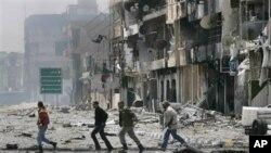 利比亚反政府武装周六在被围攻的米苏拉塔