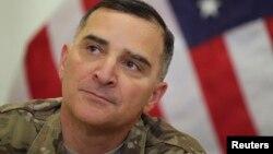美军联合参谋部主任、陆军中将斯卡帕罗蒂