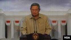 Presiden SBY memberi keterangan pers soal Perppu Pilkada di Istana Negara, Jakarta hari Kamis 2/10 (foto: VOA/Andylala)