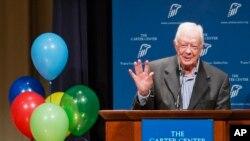 Bivši predsednik Karter obraća se zaposlenima i volonterima Karterovog Centra za vreme proslave svog 90. rodjendana 1. oktobra 2014.