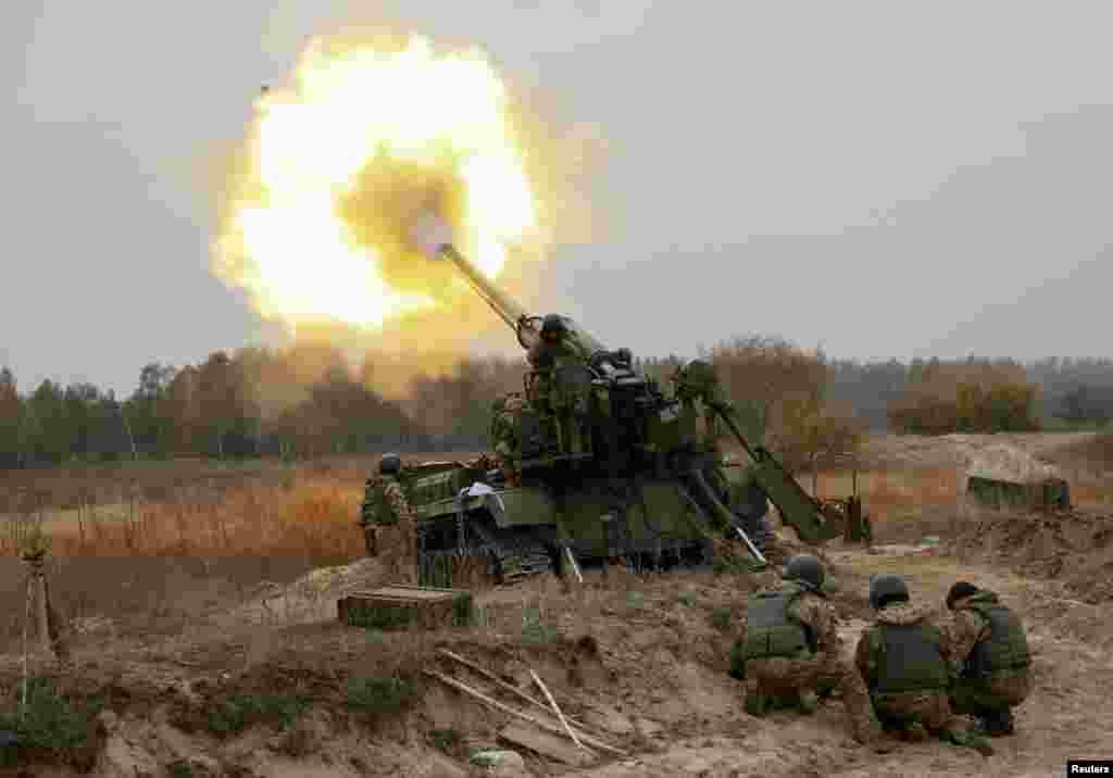 رزمایش نظامی در کی یف، اوکراین.