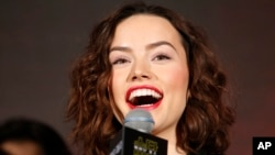 A new study shows that British teeth, like those belonging to 'Star Wars' actor Daisy Ridley, are healthier than Americans.