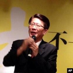 台灣中正大學政治系教授兼主任謝敏捷