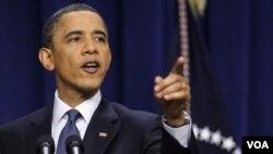Obama dijo que Gadhafi está ignorando todas las advertencias para dejar de atacar a su propio pueblo.