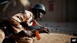 مالی فوج کا ایک سپاہی