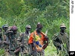 Les rebelles de la LRA dans la forêt
