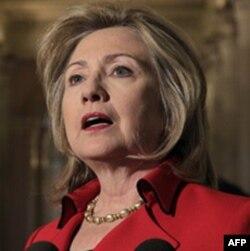 """Klinton """"Eron xalqi matonatiga ishonamiz"""", deydi"""
