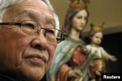 香港天主教会前任枢机主教,86岁的陈日君2018年2月9日在中国香港出席新闻发布会。