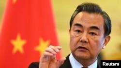 Ngoại trưởng Vương Nghị nói rằng bất kỳ 'chính trị gia điềm tĩnh' nào cũng sẽ hiểu rằng cả đôi bên sẽ gánh chịu thiệt hại từ một cuộc xung đột như vậy.