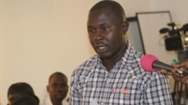 Bazia Justin, speaking at a recent forum aimed at boosting the involvement of South Sudanese youth in building the nation's agriculture sector. (VOA/Mugume Davis Rwakaringi)