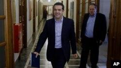 알렉시스 치프라스 그리스 총리가 24일 의회에서 열린 회의에 참석하고 있다.
