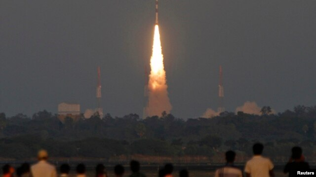 India's Polar Satellite Launch Vehicle (PSLV) C-20 blasts off, carrying Indo-French satellite SARAL from the Satish Dhawan space centre at Sriharikota, north of the southern Indian city of Chennai, February 25, 2013.