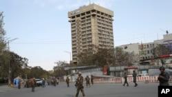 نمایی از ساختمان وزارت مخابرات و تکنولوژی افغانستان در کابل - آرشیو