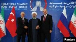 رهبران روسیه، ترکیه و ایران جمعۀ گذشته در تهران در مورد جنگ سوریه با هم گفتگو کردند