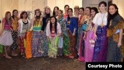 Koleksi Oerip Batik hasil karya desainer Indonesia Dian Erakumalasari (foto/dok: Dian Erakumalasari)