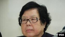 港區人大代表劉佩瓊表示,希望北京人大常委8月底定下較寬鬆的2017年特首普選框架(美國之音湯惠芸)