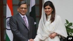 اظهارات وزرای خارجه هند و پاکستان در خصوص امنیت و تجارت