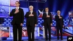 共和党总统参选人1月26日在佛罗里达举行的辩论会上