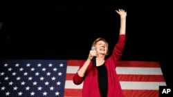 来自马萨诸塞州的参议员伊丽莎白·沃伦在爱荷华州的集会上(2019年1月5日)。