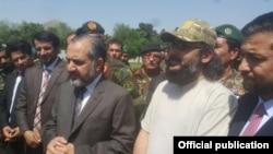 علی گیلانی کابل میں پاکستانی سفیر کے ہمراہ