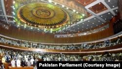 حزب مسلم لیگ ۱۸۸ کرسی پارلمان ۳۴۲ عضوی پاکستان را در اختیار دارد