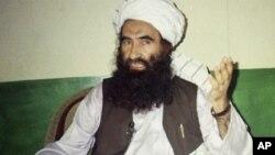 Esta foto de archivo muestra a Jalaluddin Haqqani, quien fundó la red que hoy el Departamento de Estado busca calificar como terrorista.